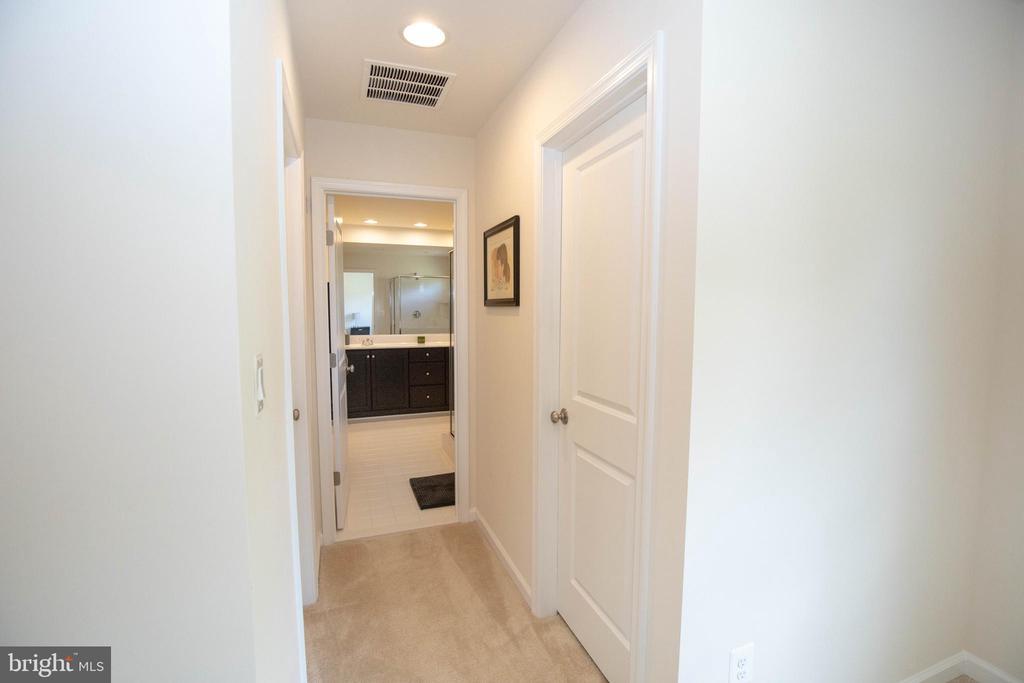 Master bedroom hall to masterbath room - 112 REGENTS LN, STAFFORD