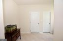 Entrance from garage and butlers pantry - 112 REGENTS LN, STAFFORD