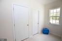 mud room garage entrance - 112 REGENTS LN, STAFFORD