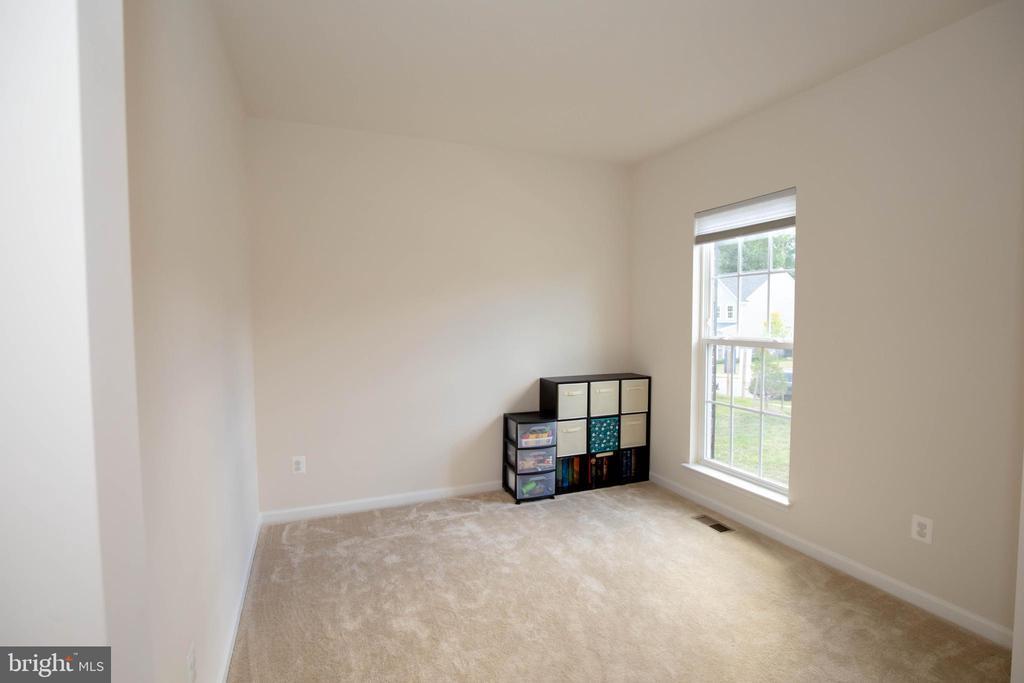 Office or formal living room - 112 REGENTS LN, STAFFORD