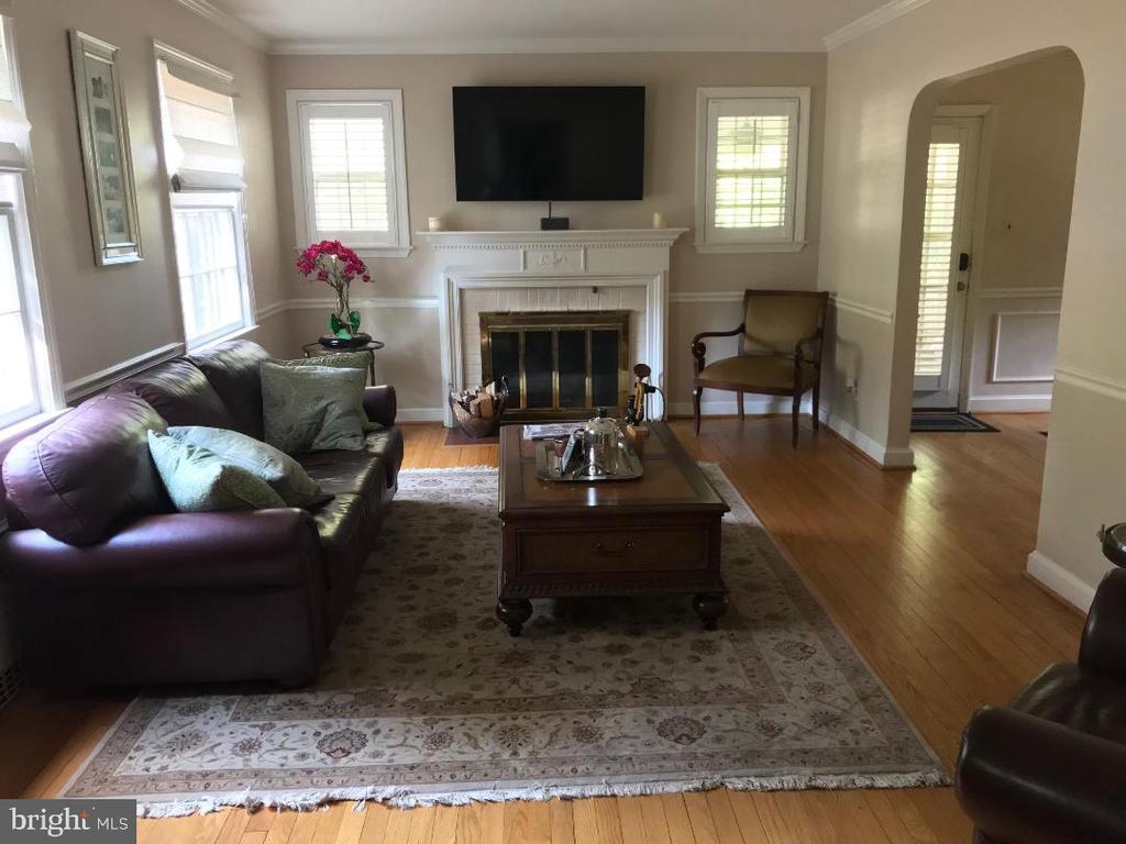 Living Room - 4300 CLAGETT PINE WAY, UNIVERSITY PARK
