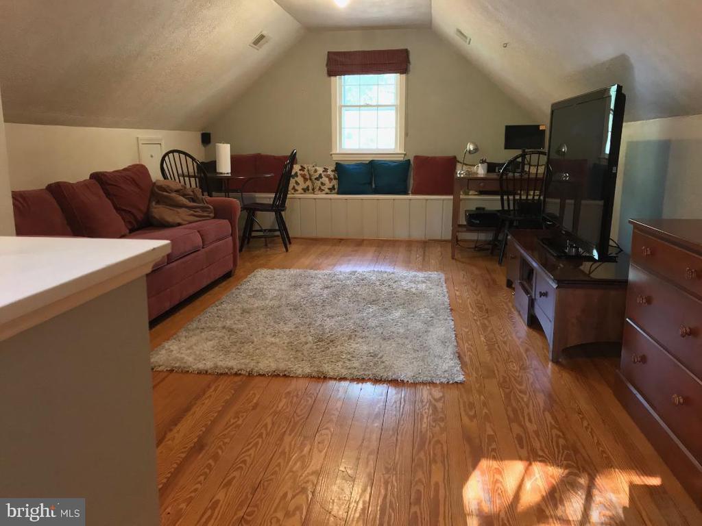 Top Level Bedroom/Office/Recreation Room - 4300 CLAGETT PINE WAY, UNIVERSITY PARK