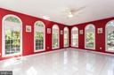 Sunroom - Porcelain floor & Palladian windows! - 8308 ARMETALE LN, FAIRFAX STATION