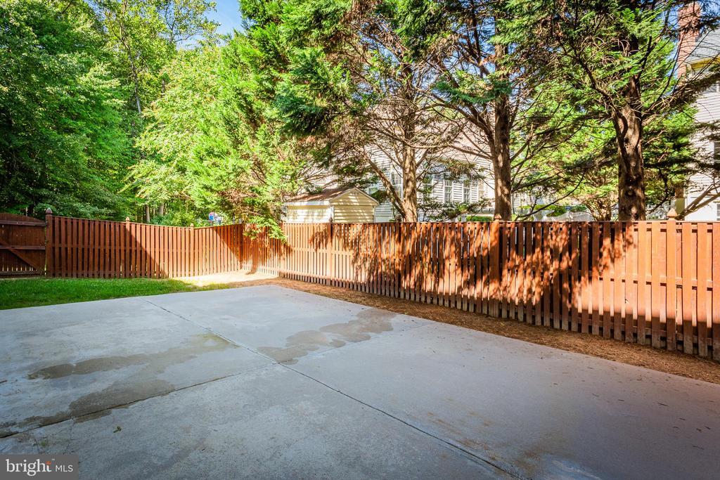 Open Patio in Fenced Yard - 8308 ARMETALE LN, FAIRFAX STATION