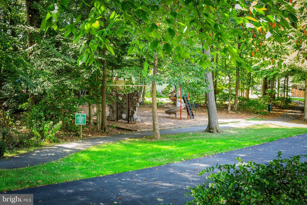 Community Tot Lot & Jog/Walking Path closeby - 8308 ARMETALE LN, FAIRFAX STATION