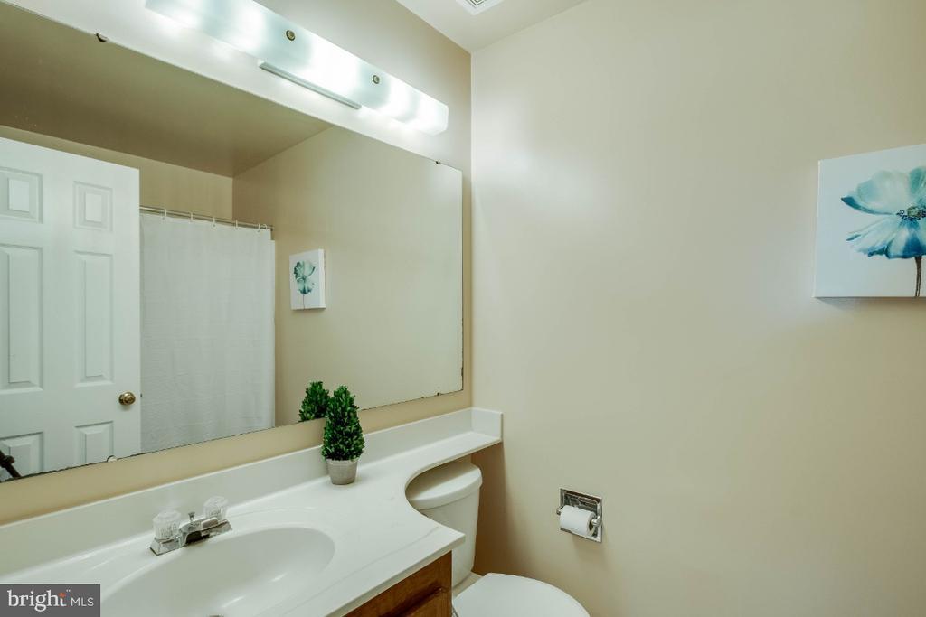 Large baths, two master baths! - 6509 BRICK HEARTH CT, ALEXANDRIA