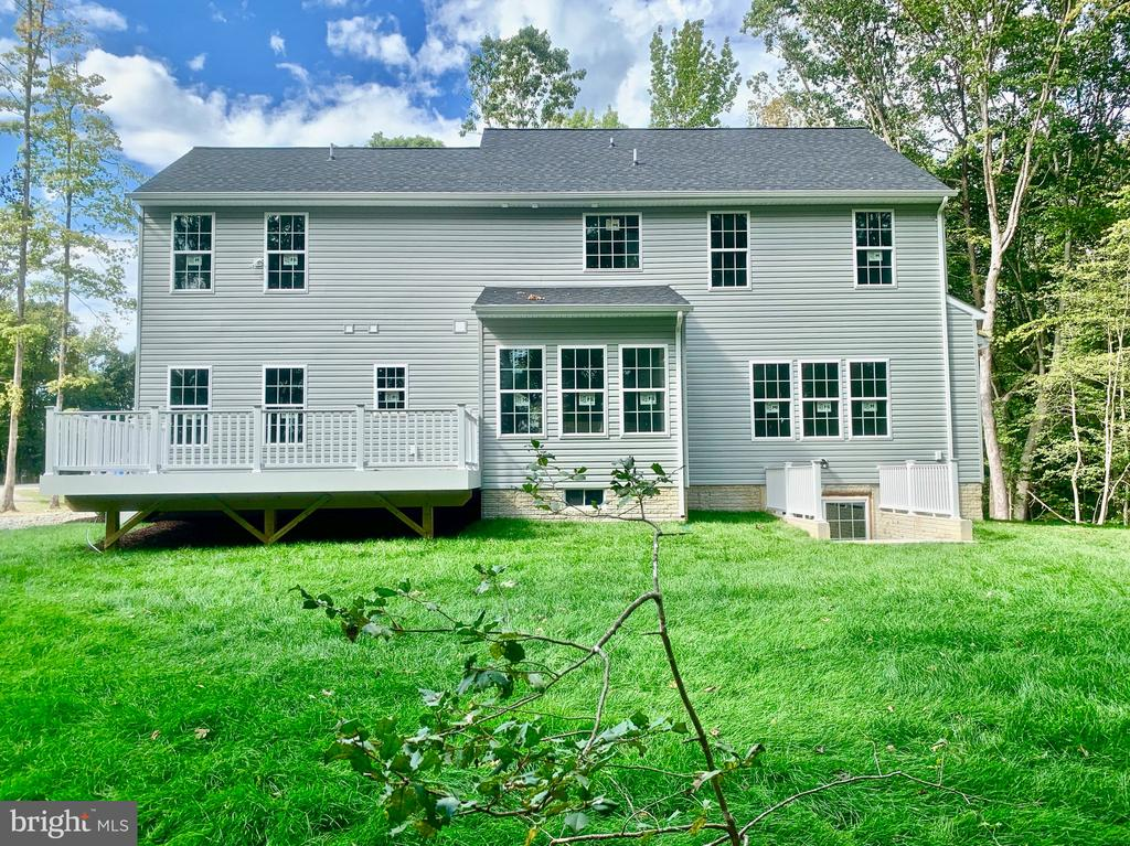Rear Elevation with Free Composite Deck - 21 ACCOKEEK VIEW LN, STAFFORD