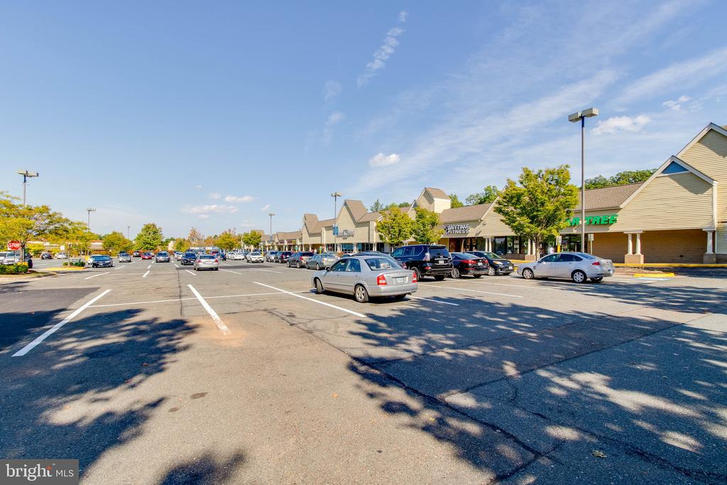 Community shopping center! - 4990 MARSHLAKE LN, DUMFRIES