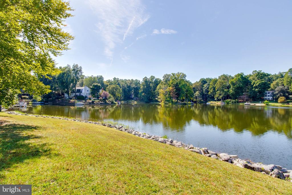 Bring your canoe! - 4990 MARSHLAKE LN, DUMFRIES