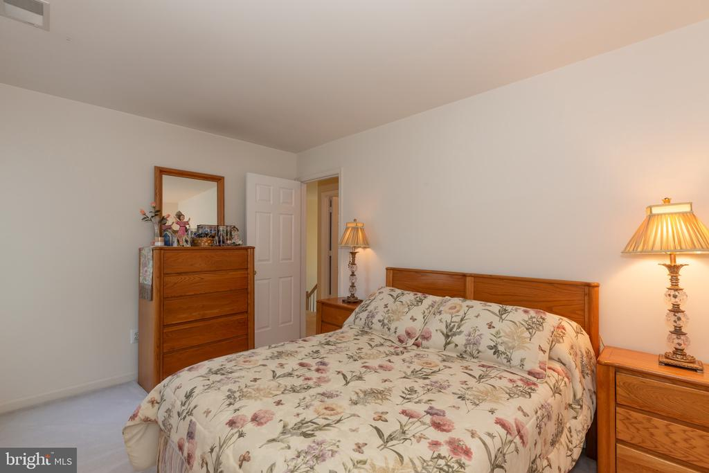2nd bedroom - 9202 MATTHEW DR, MANASSAS PARK