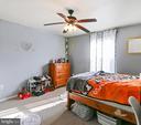 2nd Bedroom on upoer floor - 8 ONTELL CT, STAFFORD