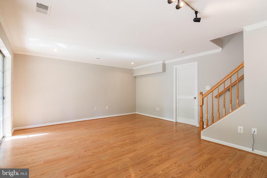 Finished Recreation room - 3968 HARTLAKE ST, WOODBRIDGE