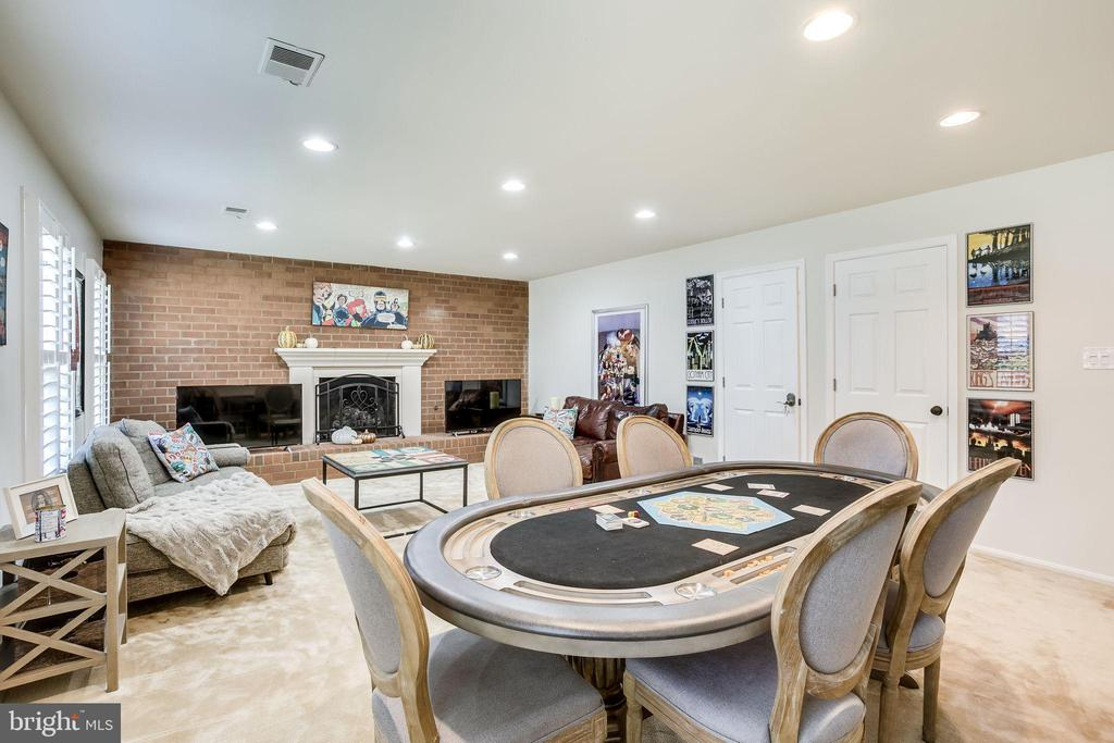 - 2633 BLACK FIR CT, RESTON