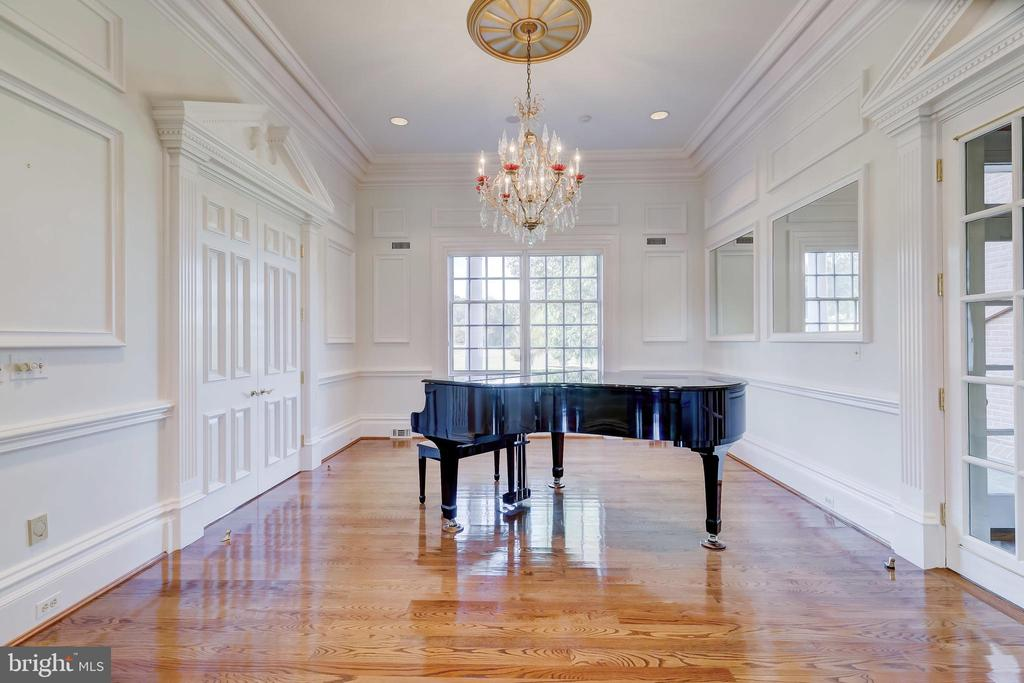 Music Room - 15404 TANYARD RD, SPARKS GLENCOE