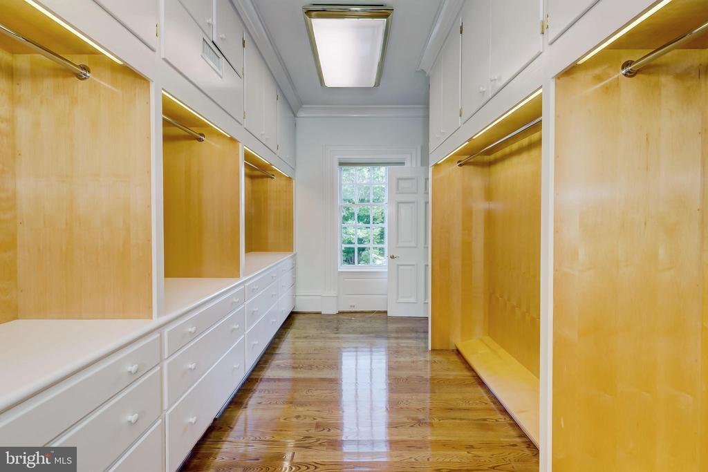 Master Dressing Room 1 - 15404 TANYARD RD, SPARKS GLENCOE
