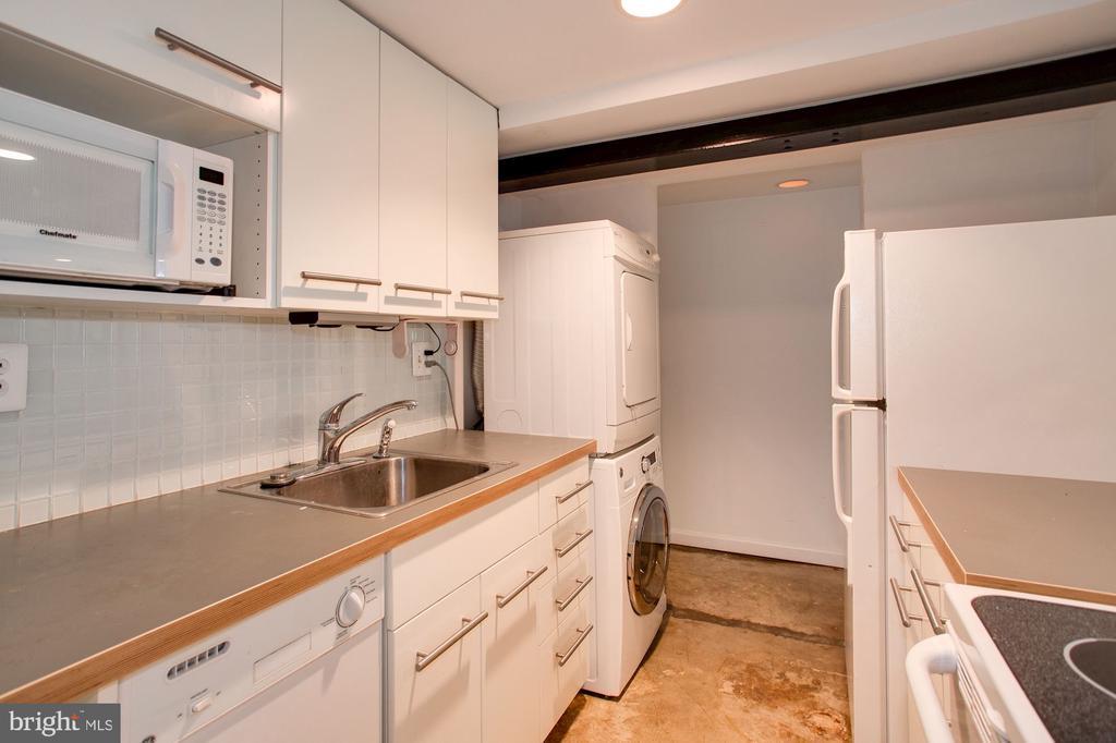 Lower Level Kitchen - 1928 15TH ST NW, WASHINGTON