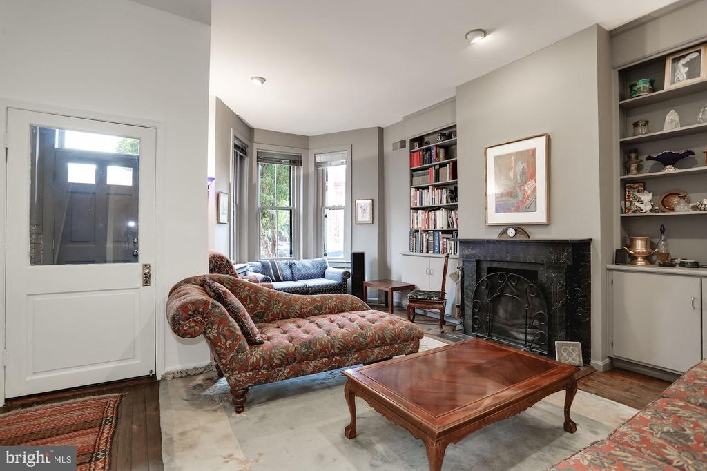 Living Room with Fireplace - 1928 15TH ST NW, WASHINGTON