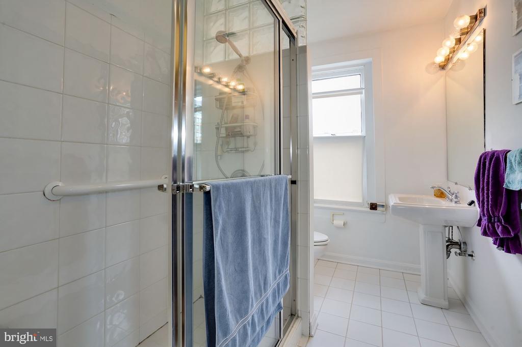 Lower Level Bathroom - 1928 15TH ST NW, WASHINGTON
