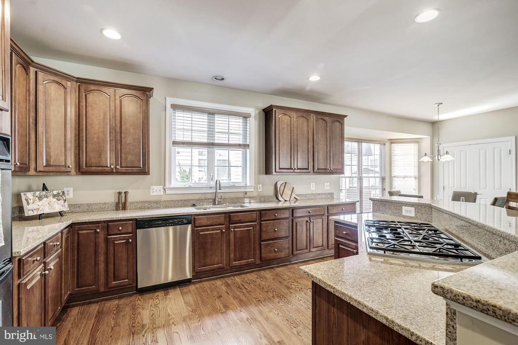 Kitchen - 7874 PROMONTORY CT, DUNN LORING