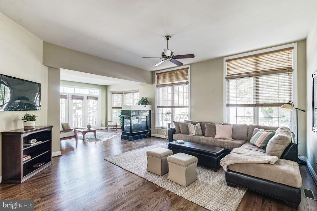 Family Room - 7874 PROMONTORY CT, DUNN LORING