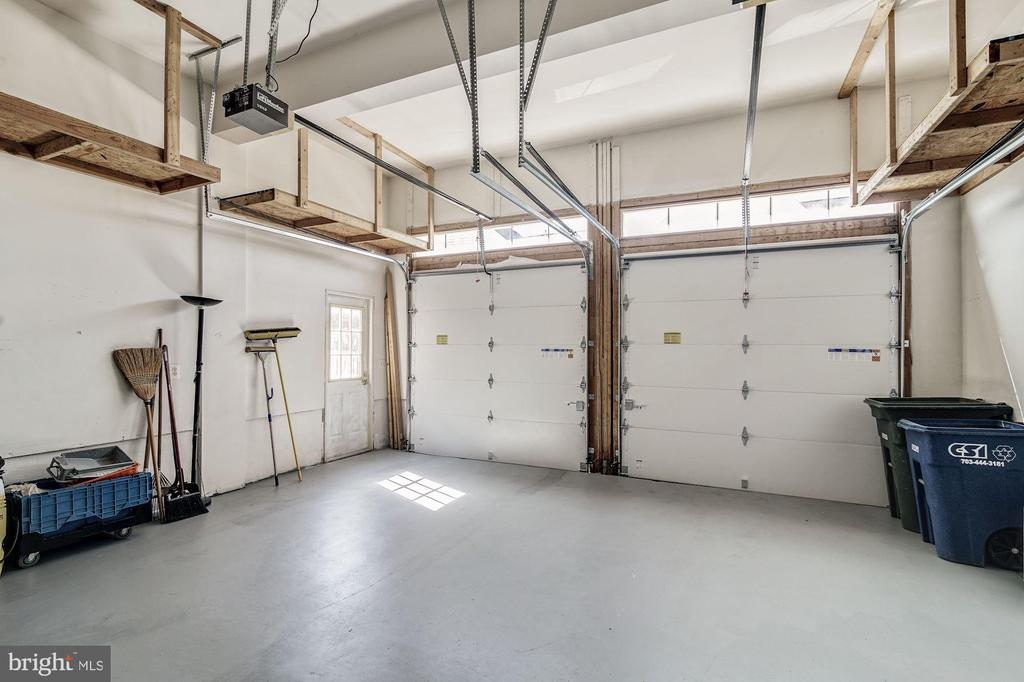 Two Car Garage - 7874 PROMONTORY CT, DUNN LORING
