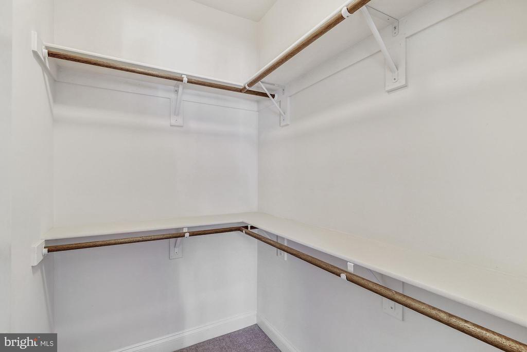 Bedroom 3 Walk In Closet - 7874 PROMONTORY CT, DUNN LORING