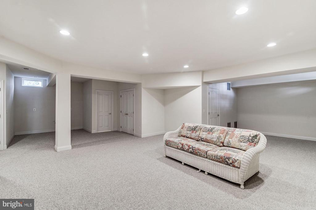 Lower Level Recreation Room - 7874 PROMONTORY CT, DUNN LORING