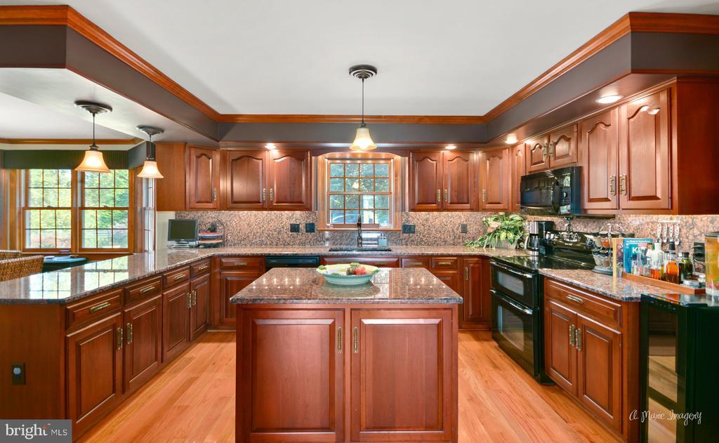 Kitchen - 5223 FAIRGREENE WAY, IJAMSVILLE