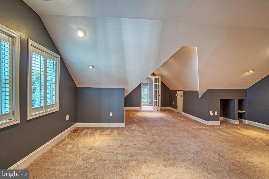 Bedroom #2 has Oversized Walk-in Closet - 42763 FOREST CREST CT, ASHBURN