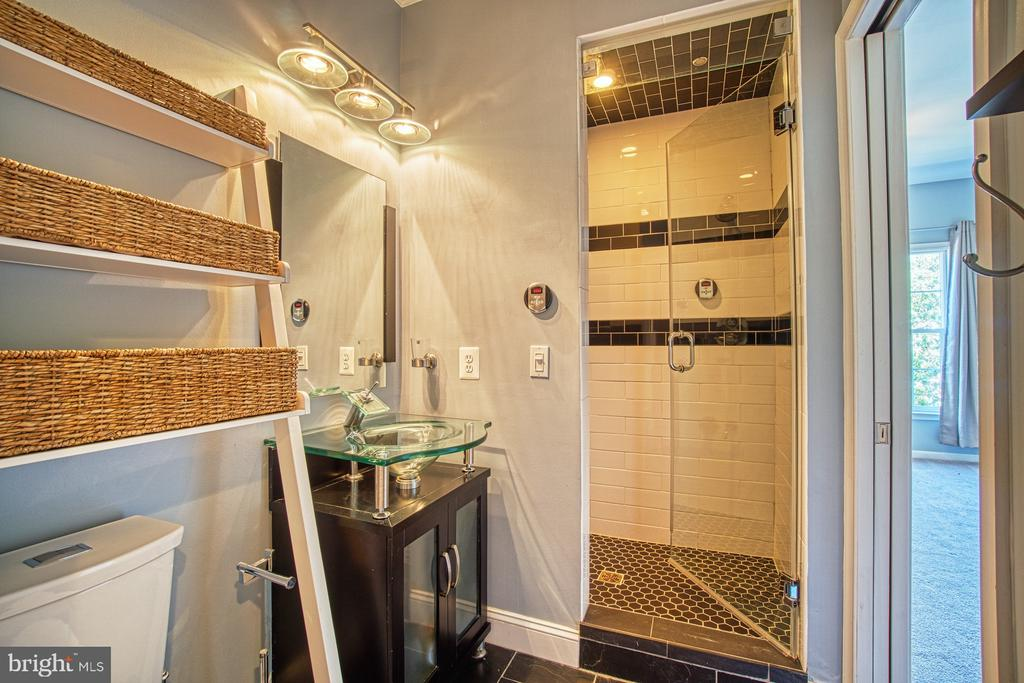 Spa-Like Bathroom #2 with Steam Shower - 42763 FOREST CREST CT, ASHBURN