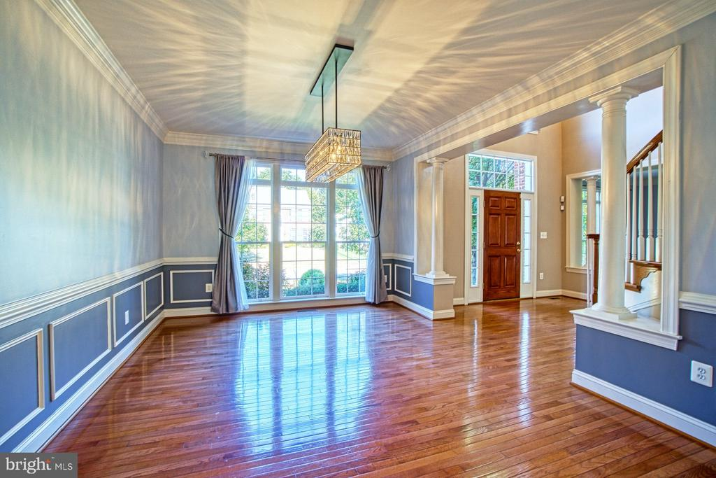 Imagine the Entertaining Opportunities - 42763 FOREST CREST CT, ASHBURN