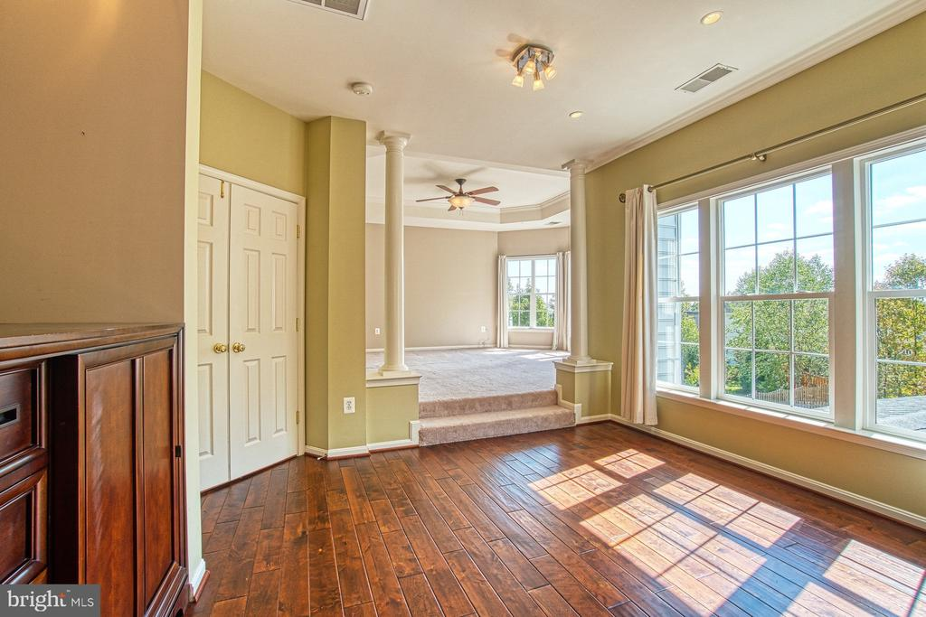 Luxurious Master Suite - 42763 FOREST CREST CT, ASHBURN