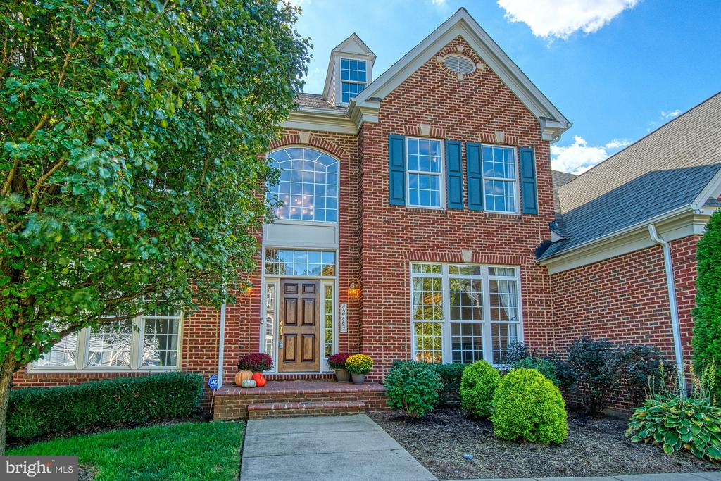 Enjoy the Beauty of The Estates of Forest Ridge - 42763 FOREST CREST CT, ASHBURN