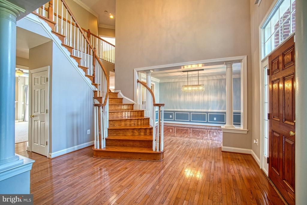 Beautiful Hardwood Floors - 42763 FOREST CREST CT, ASHBURN