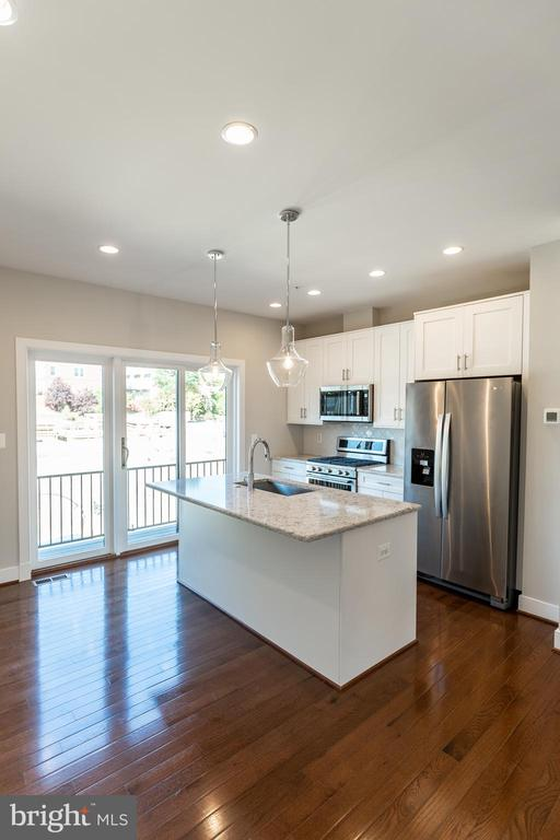 Actual kitchen from this home - 3052 7TH NE, WASHINGTON