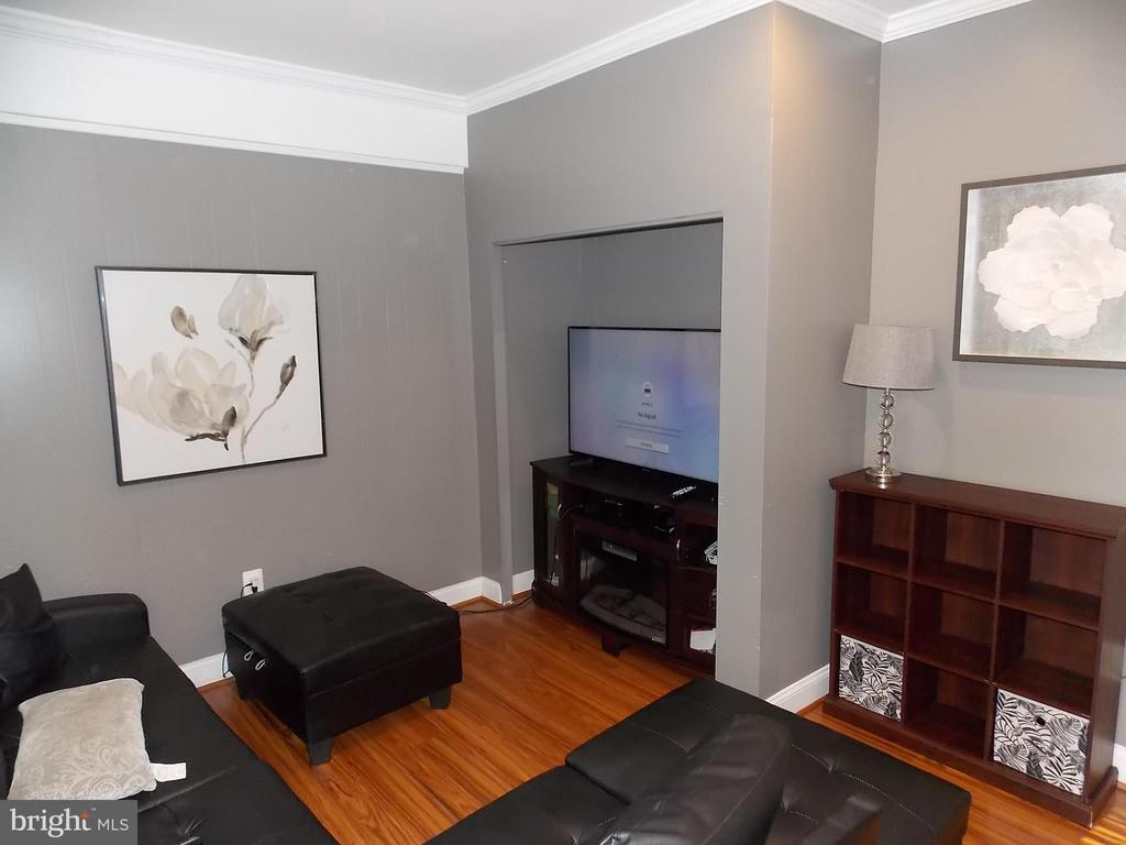 Family Room 2 - 111 PIERCE ST, MANASSAS PARK