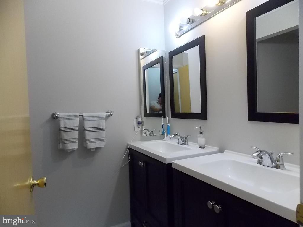 Hall Bathroom 2nd Floor - 1 - 111 PIERCE ST, MANASSAS PARK