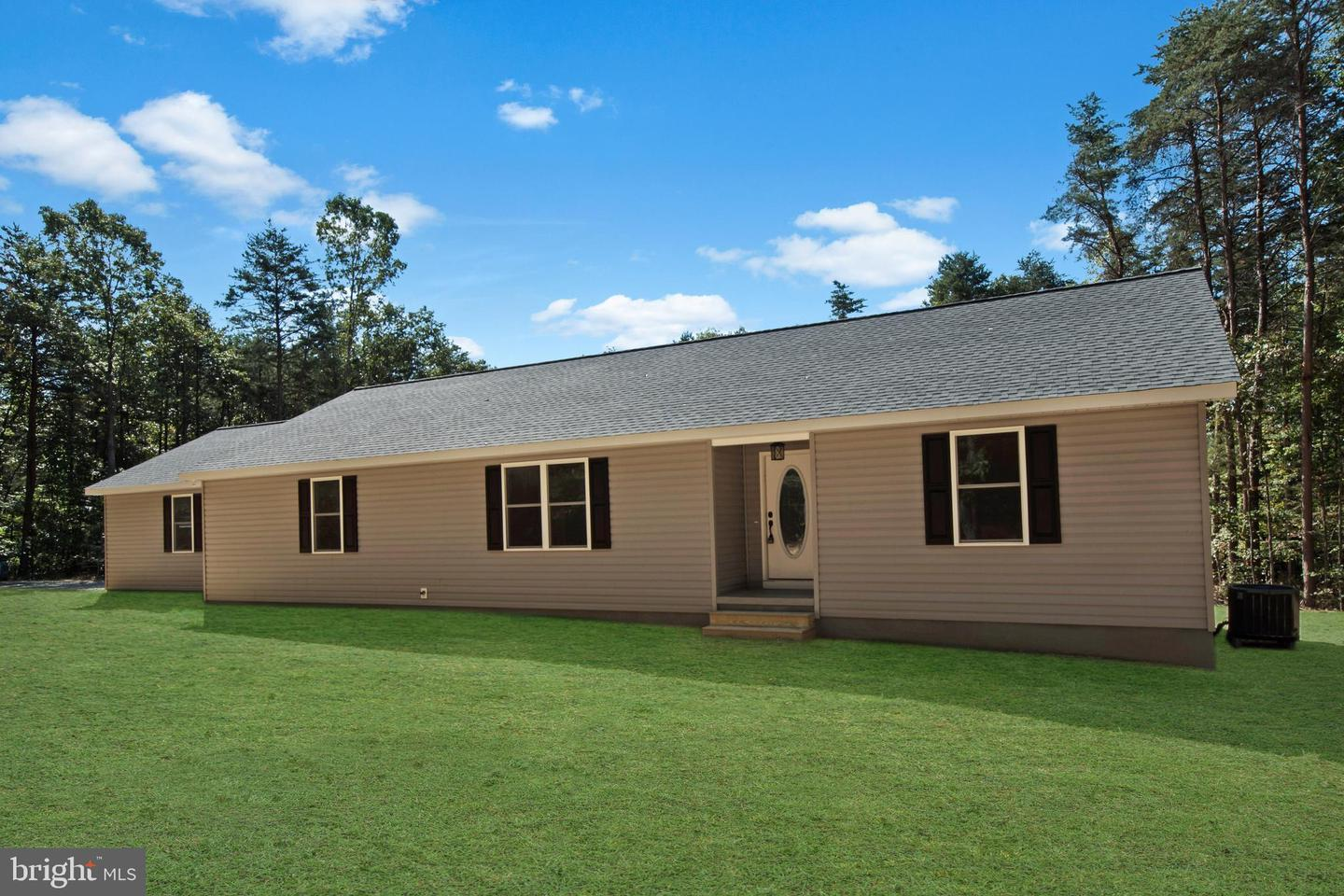 Single Family Homes por un Venta en Burr Hill, Virginia 22433 Estados Unidos