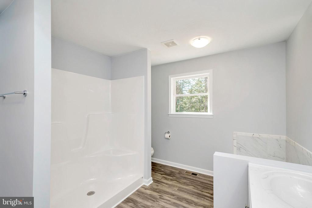 Large shower in Master - 4152 JARRELLS WAY, BURR HILL