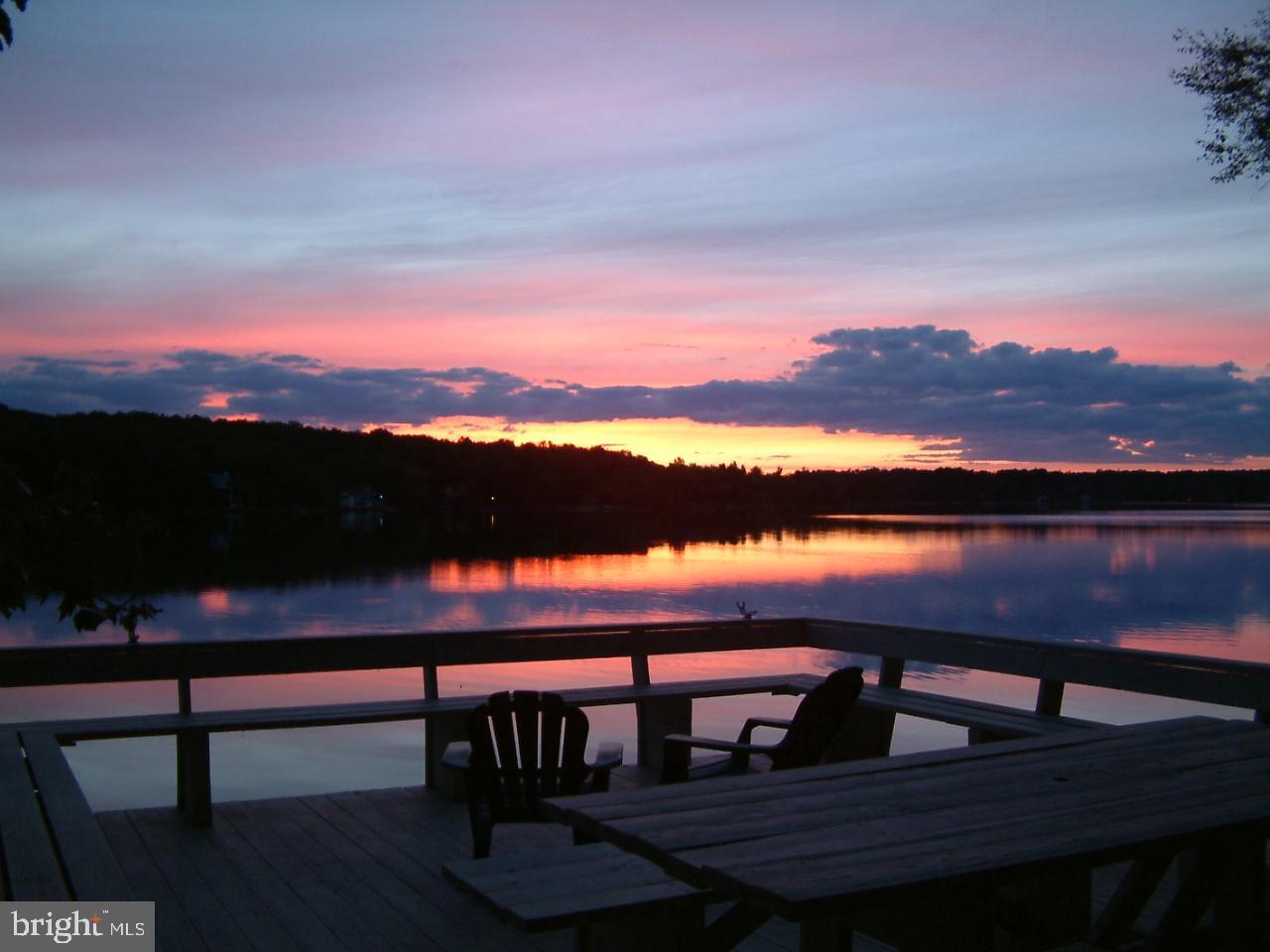 Additional photo for property listing at  Pocono Lake, Pennsylvania 18347 Estados Unidos