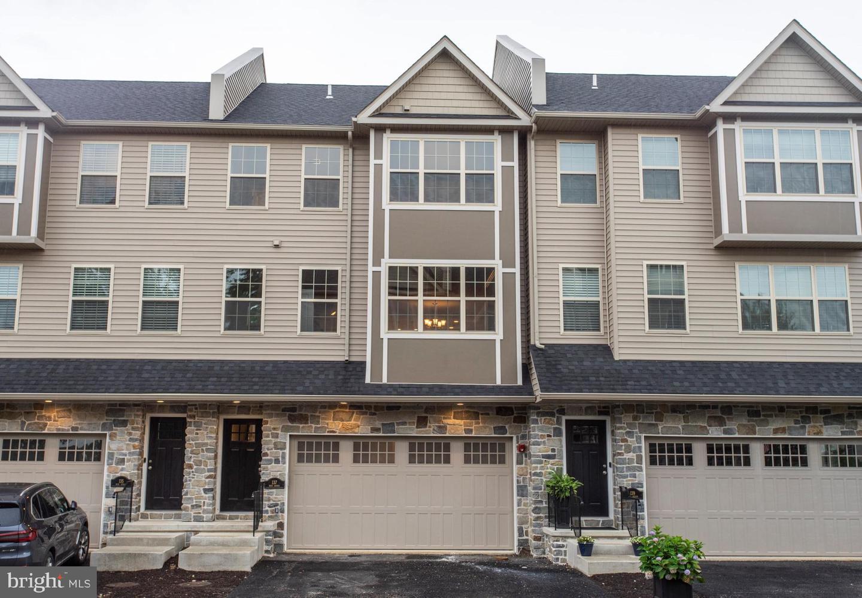 Additional photo for property listing at  West Conshohocken, Pennsylvania 19428 Förenta staterna