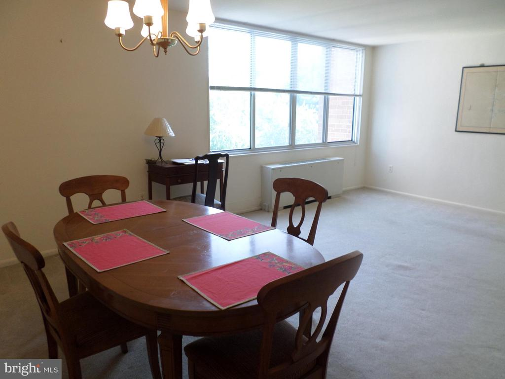 Dining and living areas - 2939 VAN NESS ST NW #726, WASHINGTON