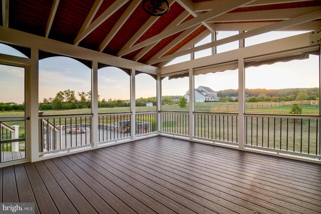 Remote Controlled Awning  This backyard is perfect - 15475 BERKHAMSTEAD PL, LEESBURG