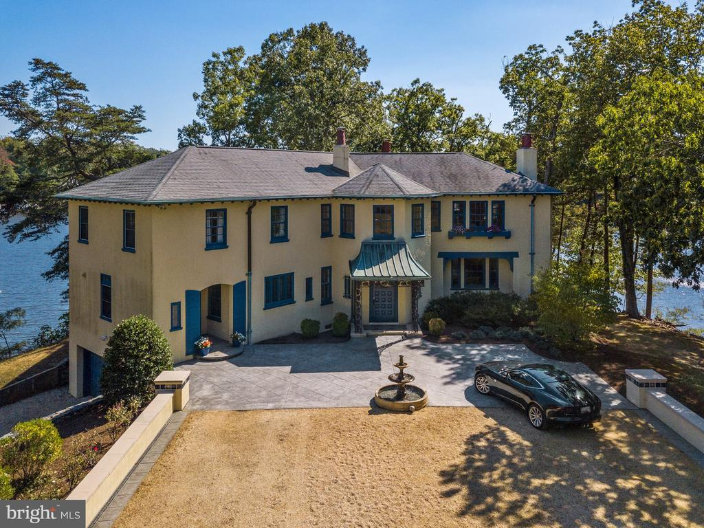 - 29 HOMEPORT DR, EDGEWATER