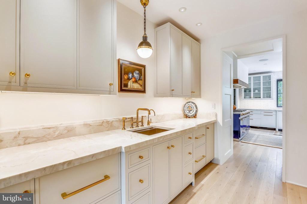 dishwasher (3rd), wine cellar, ice, fridge drawer - 6404 GARNETT DR, CHEVY CHASE