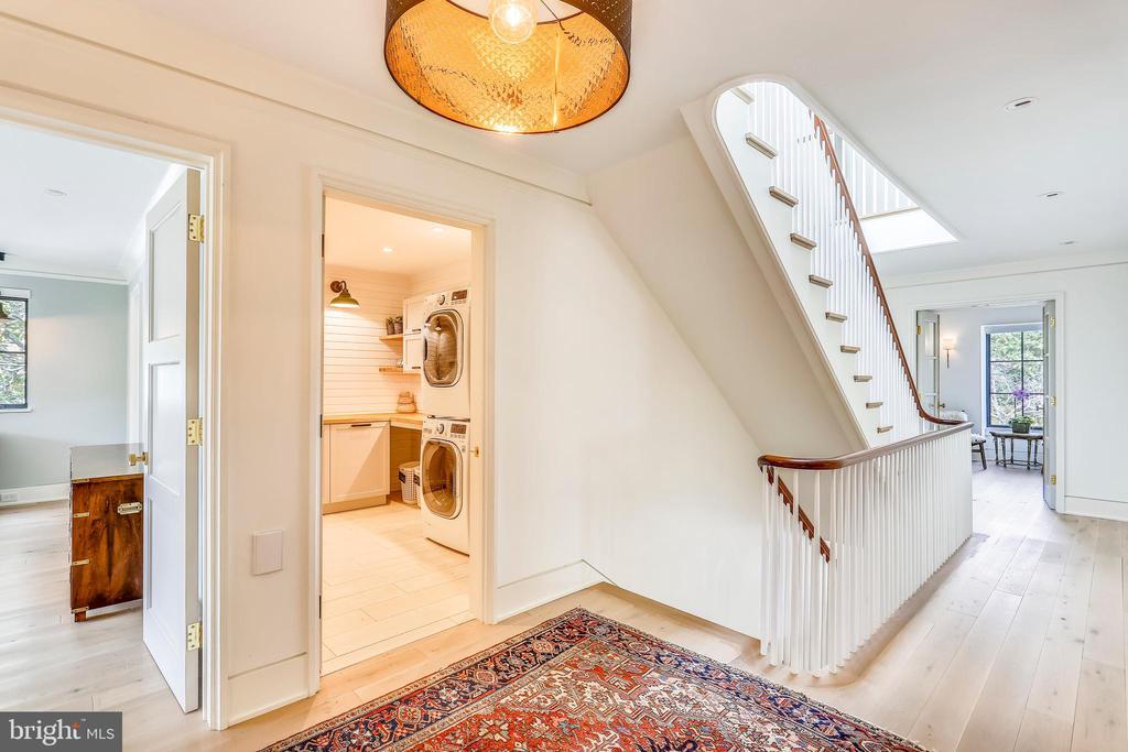 upper level hallway - 6404 GARNETT DR, CHEVY CHASE