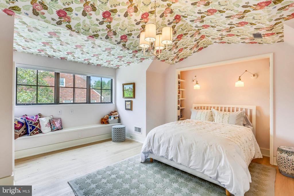 bedroom six - 6404 GARNETT DR, CHEVY CHASE