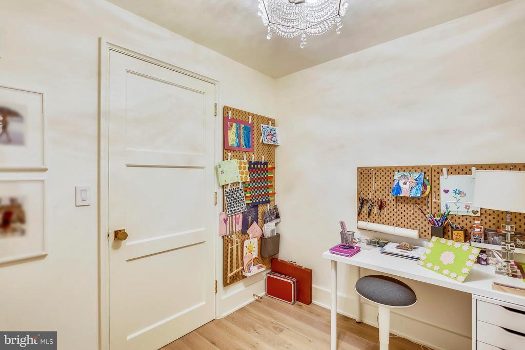 loft study room - 6404 GARNETT DR, CHEVY CHASE