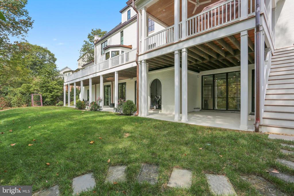 backyard with room for pool and spa - 6404 GARNETT DR, CHEVY CHASE
