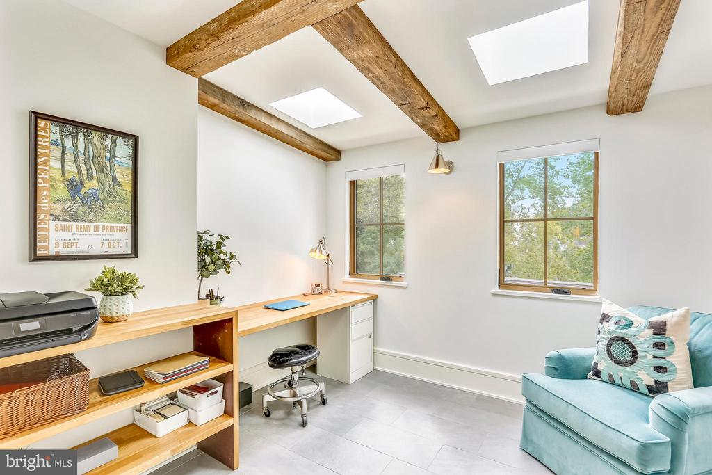 skylit study off master suite. brick wall - 6404 GARNETT DR, CHEVY CHASE